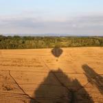 Ombre Montgolfiere et champs de la Dombes