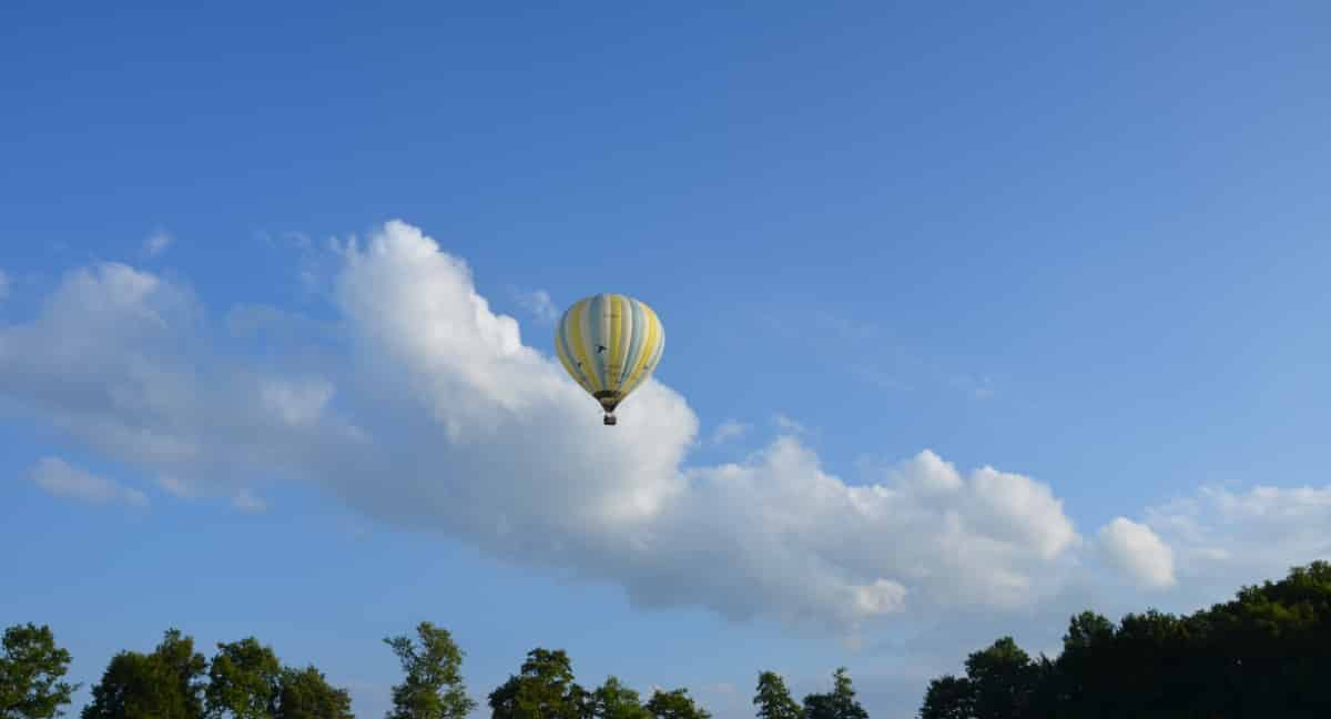 La montgolfière prend son envol
